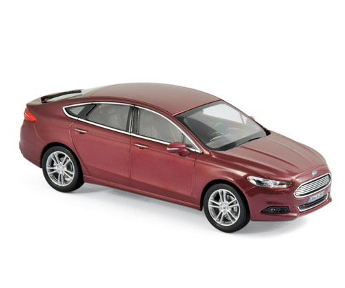 270553    Ford Mondeo 2014, Rood met., Norev