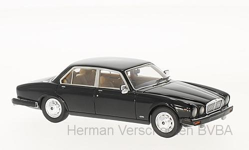 43150  Jaguar XJ Series III 4.2, zwart, Neoscale Models