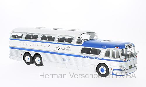 BUS001    Greyhound GMX Sceniccruiser 1956, Ixo