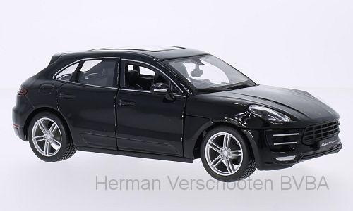 18-21077  Porsche Macan Turbo, zwart, Bburago