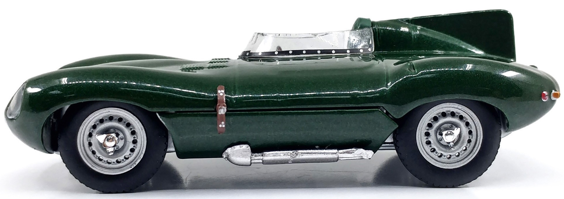 S4303000  Jaguar D 1952, groen, Solido