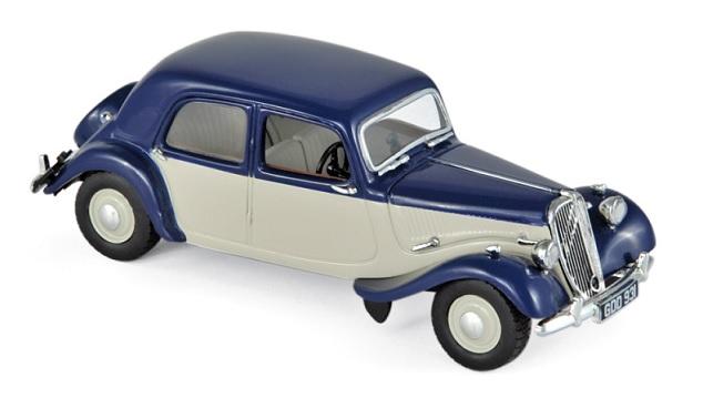 153051 Citroën Light 15 1949, donkerblauw/crème, Norev