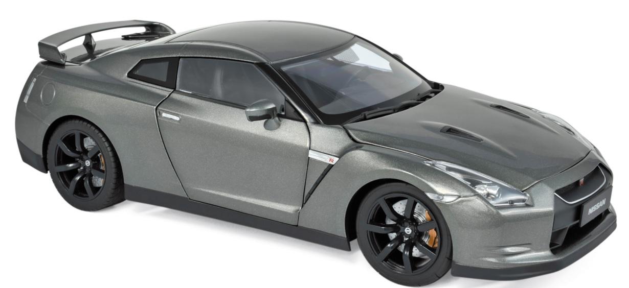 188053 Nissan GT-R R-35 2008, donkergrijs met., Norev