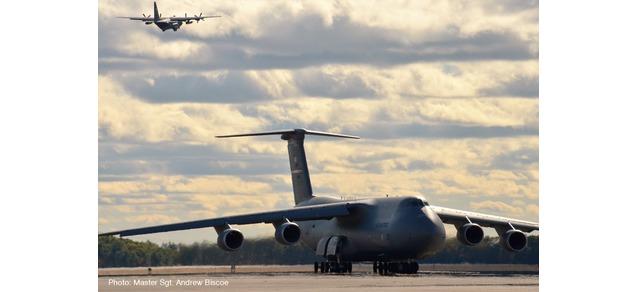 """533058 Lockheed C-5M SG """"USAF 337 sqd. Westover A. Re. B."""", Herpa Wings"""