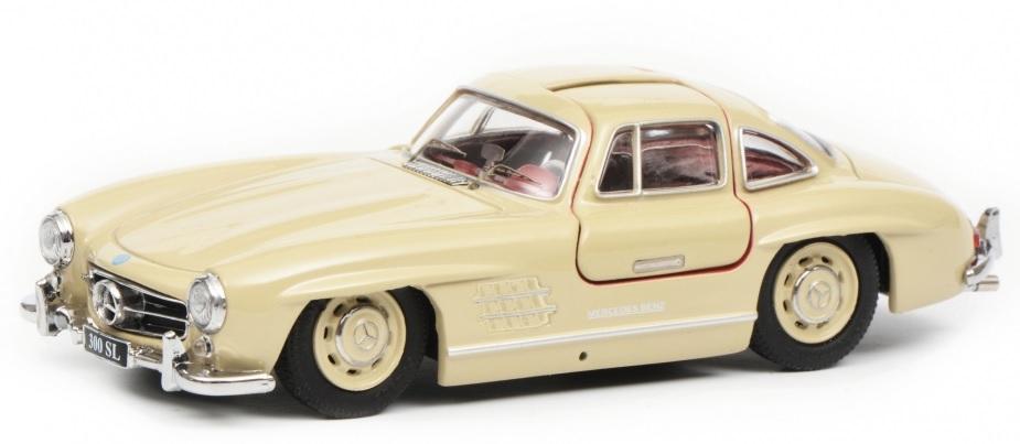 450260300 Mercedes Benz 300 SL, beige, Schuco