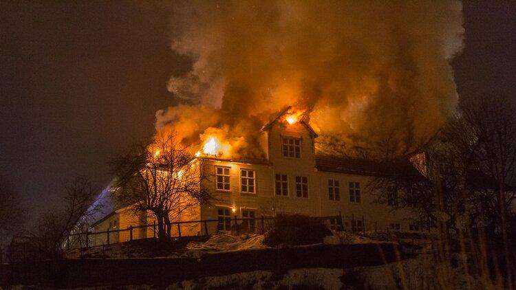 Stedjetunet, huset brann ned desember 2017. Foto: Porten.no