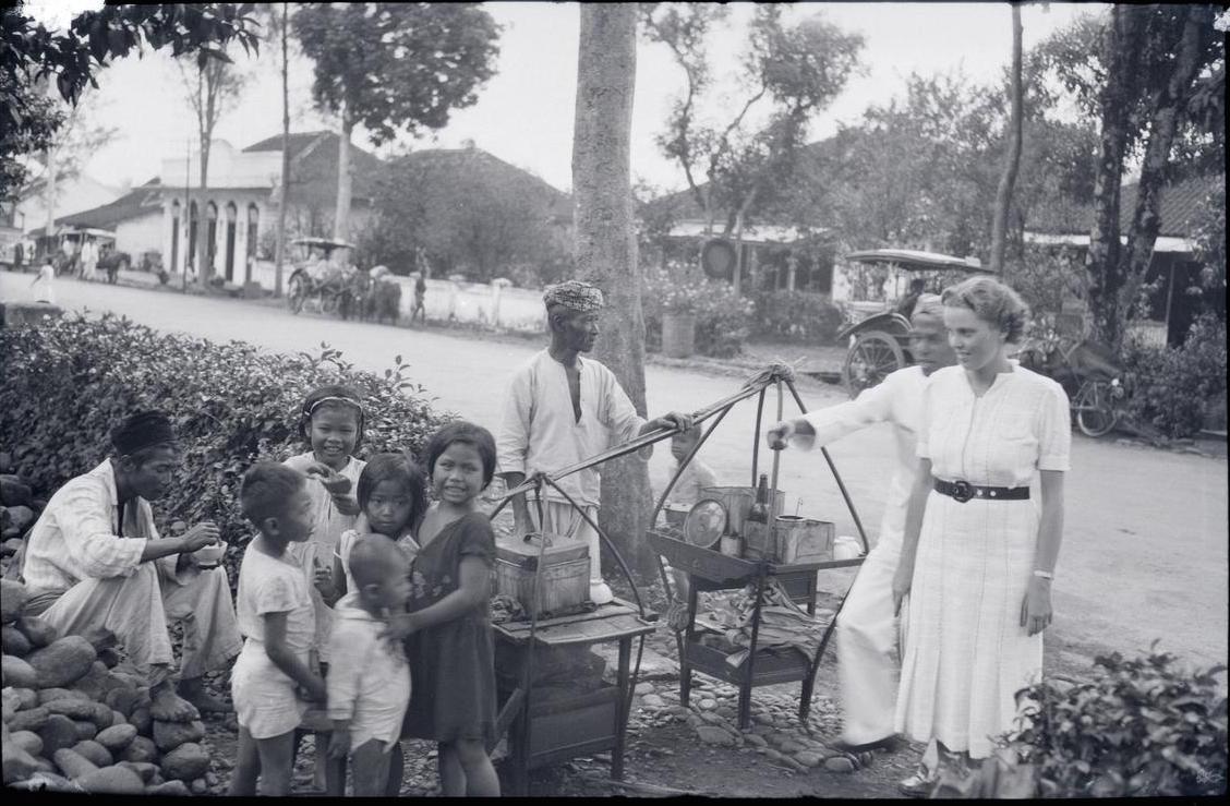 Bubur ketan hitam di Jawa baheula. Jadi apa anak-anak itu saat dewasa? 1938.