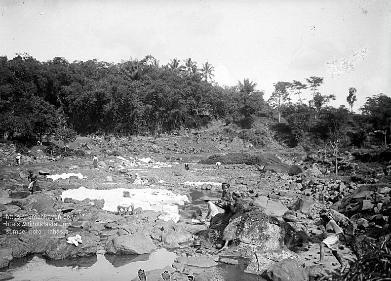 Pemandangan daerah Kalitaman Salatiga. 1918.