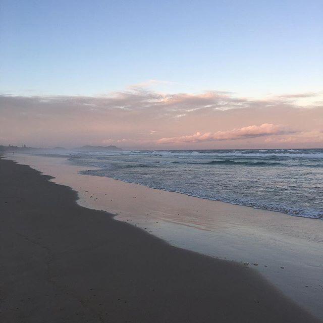 Moody mother of pearl vibes 🐚 #byronbay #beach #motherofpearl