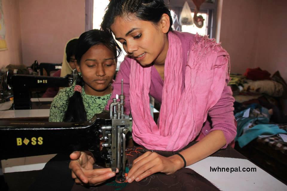 Nasreen Teaching the women..jpg
