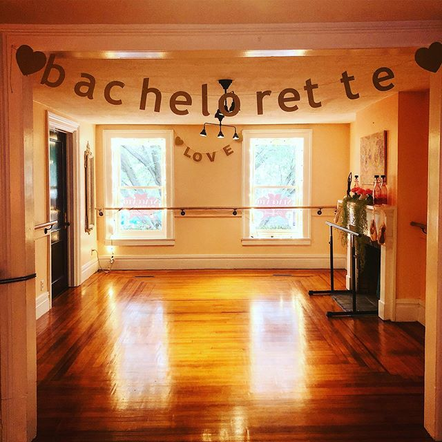 ❤️Love is in the air for our private Bachelorette Barre class today! Ask us how to book yours today! #bachelorettebarreparty #barre #staccatobarre #518 #saratogasprings