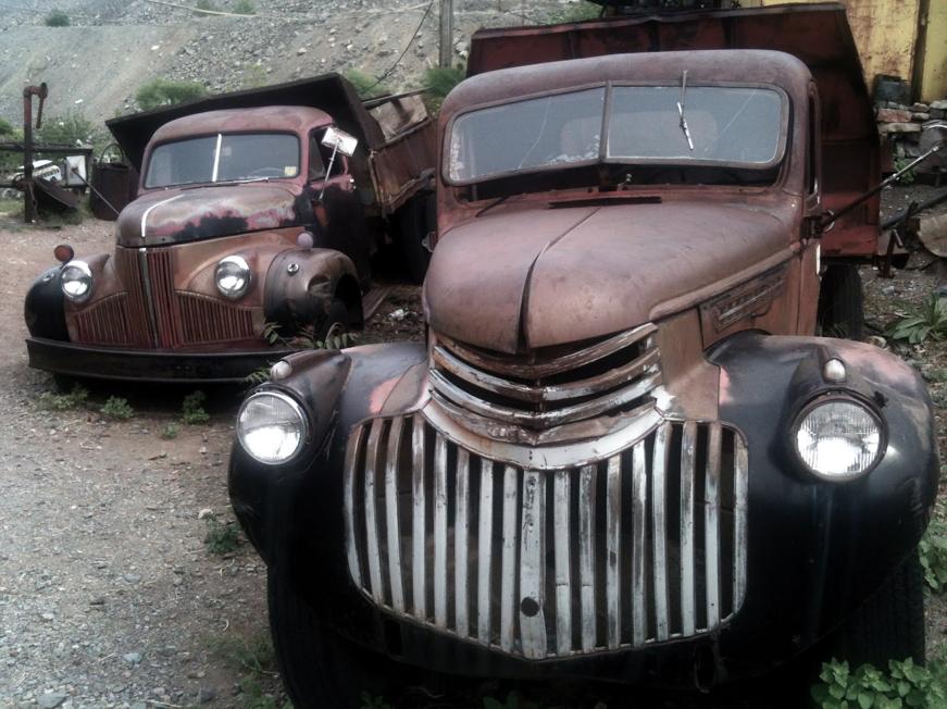 Leichte Trucks mit leichten Gebrauchsspuren.