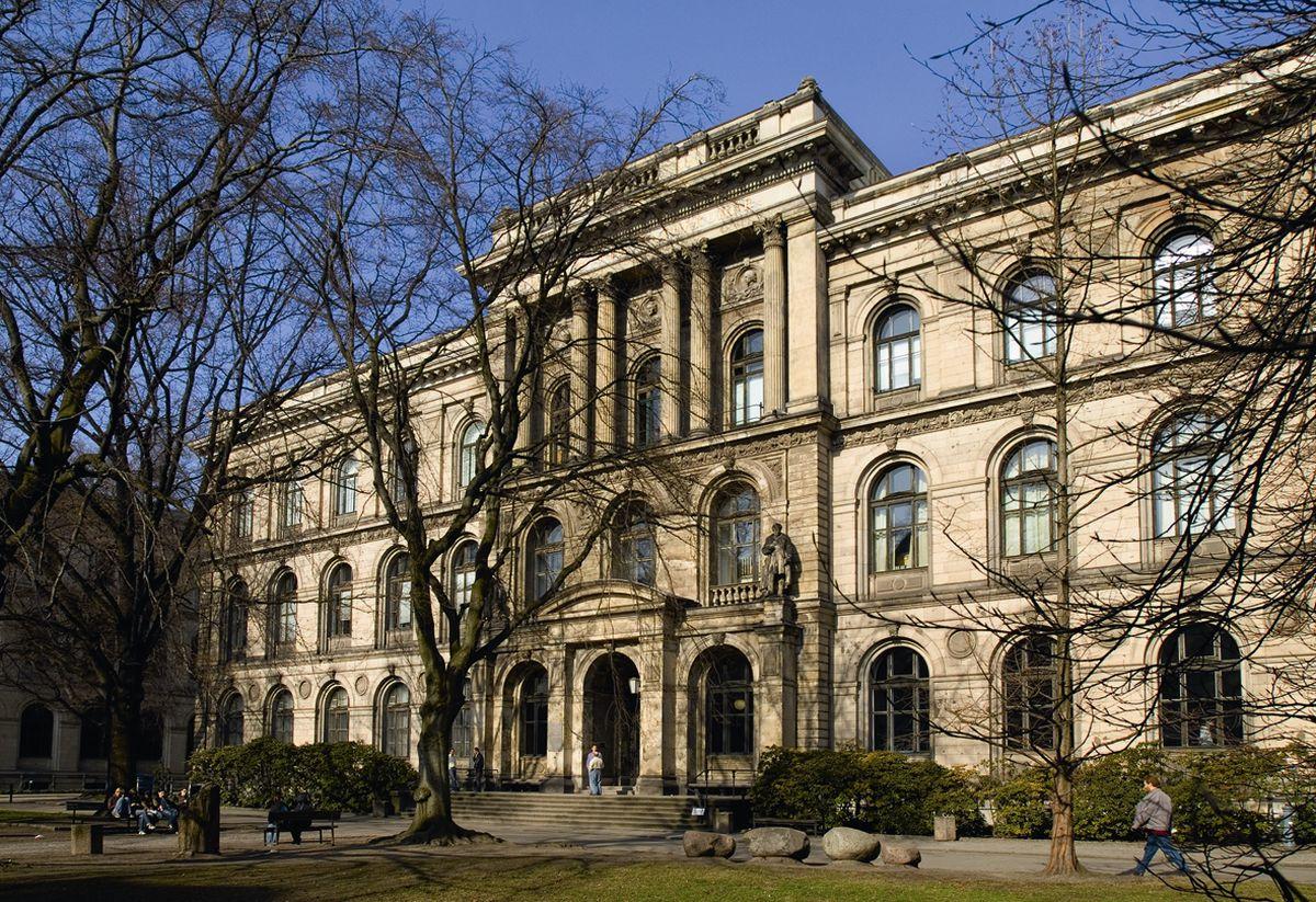 museum_aussenansicht.jpg_cms_image.jpg