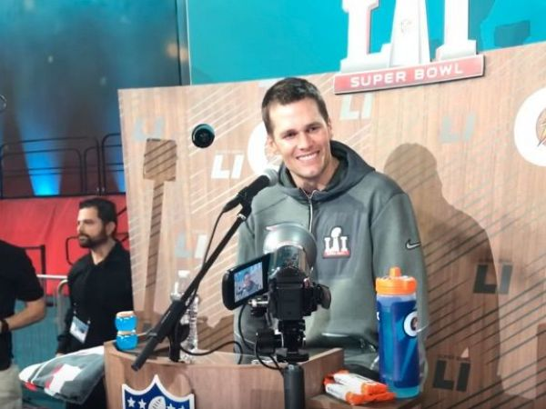 toucher_rich-_tom_brady_asks_if_rich_is_on_drugs_-_youtube-1485876879-3318.jpg