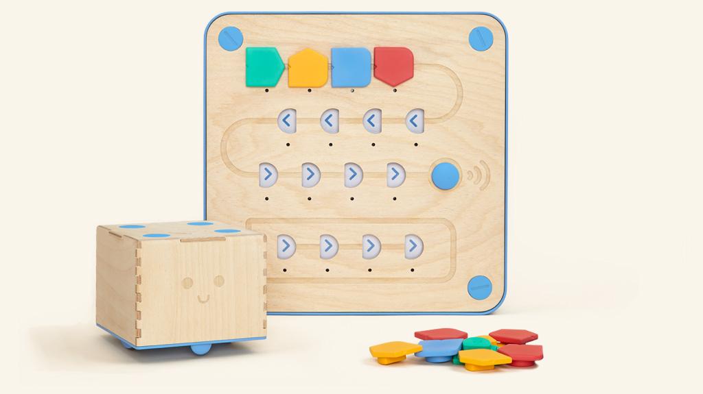 Cubetto, el robot de madera que te enseña a programar