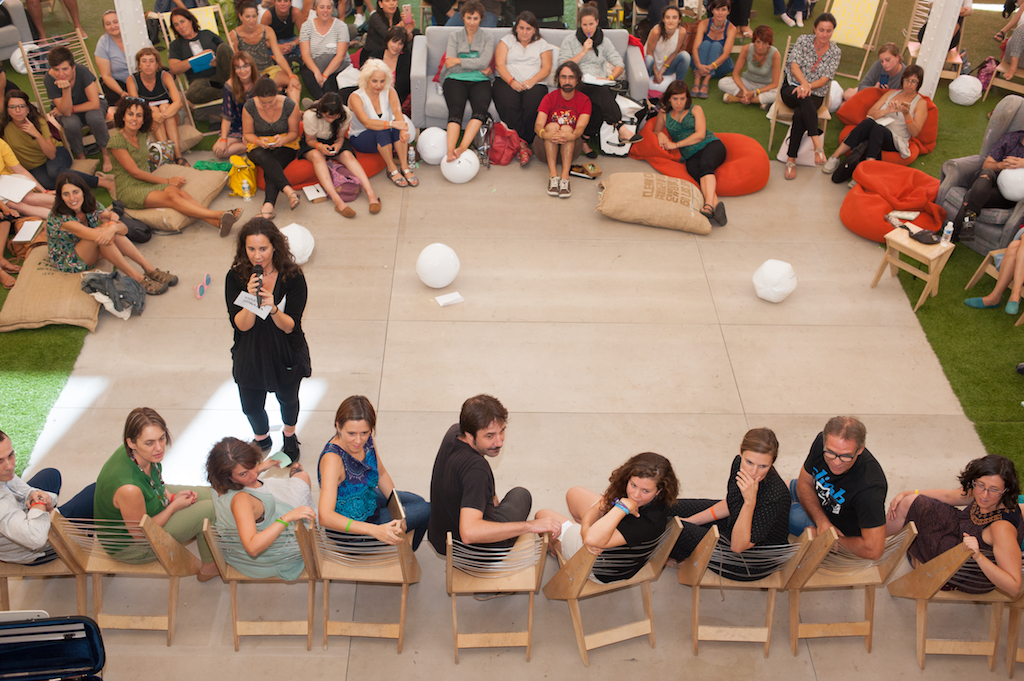 En entrevista para el Observatorio,Andrea De Pascual,Coordinadora General de Pedagogías Invisibles, nos habla del papel del arte en la educación y los retos que tienen que enfrentar los docentes en el mundo contemporáneo. -