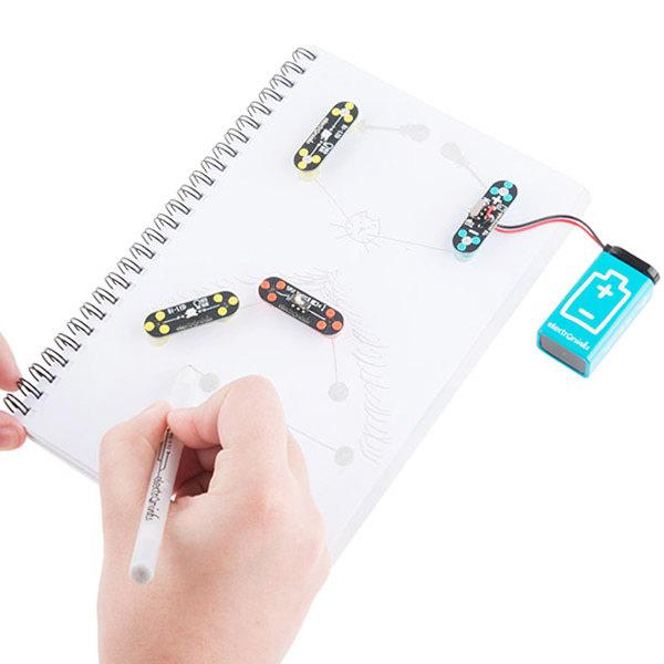 Combina herramientas innovadoras para la construcción de circuitos electrónicos con el fin de reforzar el aprendizaje de los conceptos teóricos a través de la práctica. -