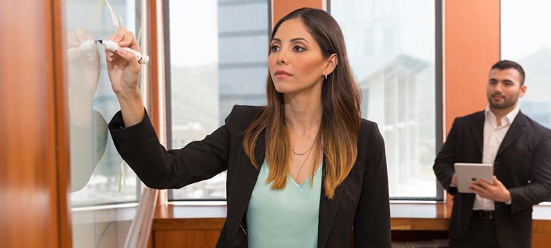 La Maestría en Administración Empresarial en línea del Tecnológico de Monterrey se colocó como la líder entre programas de más de 100 escuelas de Latinoamérica, España y Estados Unidos. -