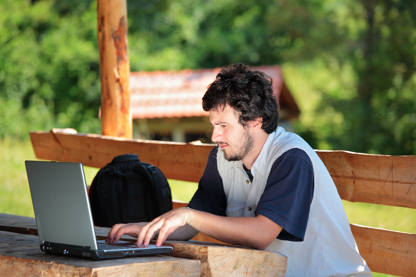 El deseo y la necesidad de obtener credenciales alternativas va en aumento. Plataformas como edX y Coursera están madurando y el mercado laboral comienza a reconocer sus certificaciones. -