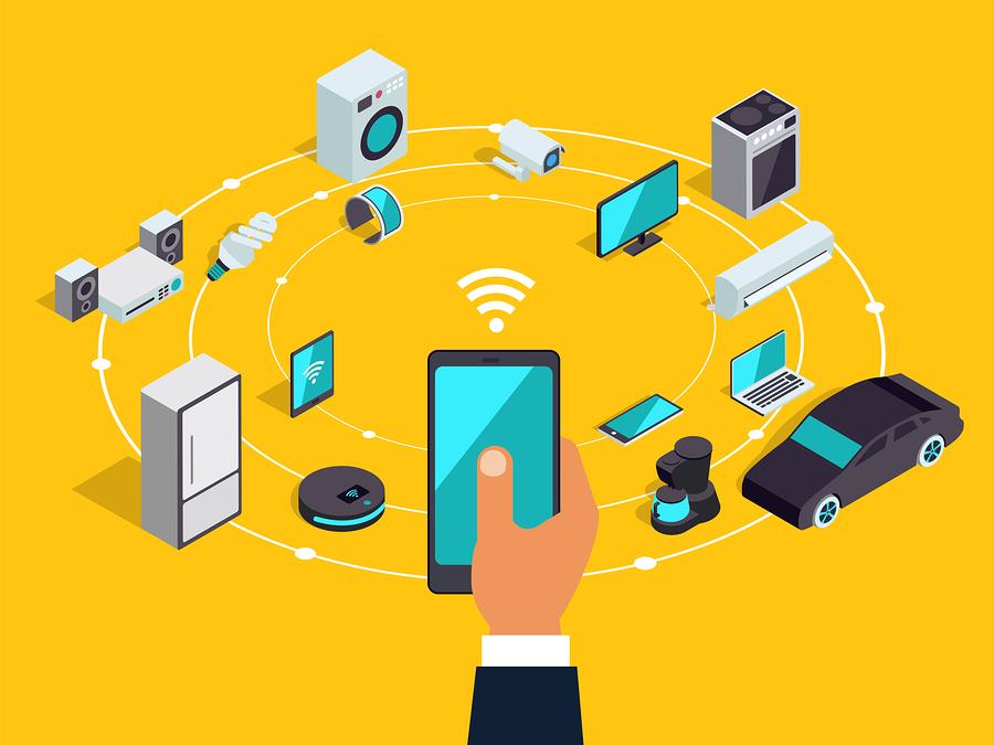 La titulación en Internet de las cosas de la Universidad Internacional de Florida promete a egresados convertirse en programadores de dispositivos, expertos en ciberseguridad y diseñadores de hardware. - Foto: Bigstock