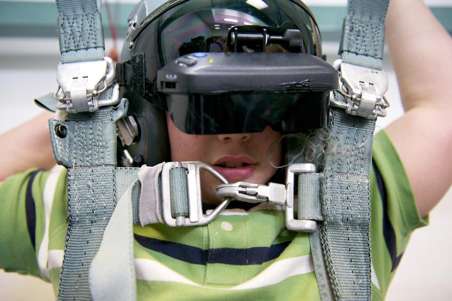 Niño viviendo una experiencia de Realidad virtual