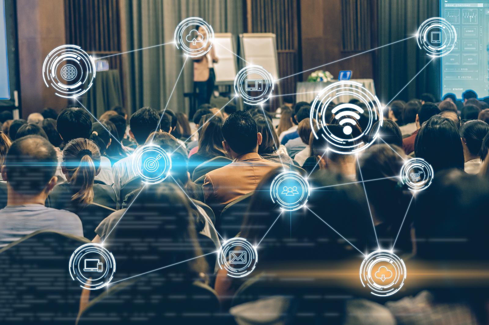 Cinco nuevas credenciales alternativas para construir infraestructuras seguras en la nube, transformar datos en valor de negocio y explotar el potencial del machine learning. - Foto: Bigstock