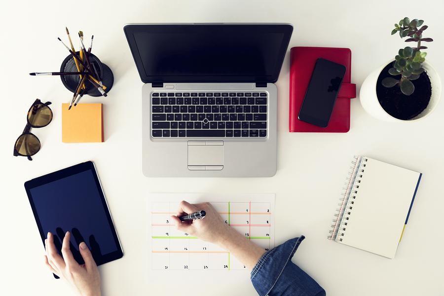 Hoy en día la web ofrece cientos de formas de aprendizaje. El modelo IDEA es una propuesta para el desarrollo de habilidades digitales que fomentan el autoaprendizaje a lo largo de la vida. - Foto: Bigstock