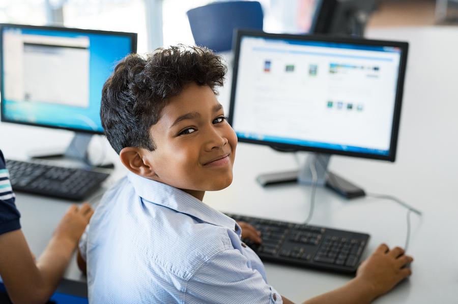El nuevo método de evaluación dejará de enfatizarse en lo que el estudiante memoriza para enfocarse en sus habilidades. - Foto: Bigstock