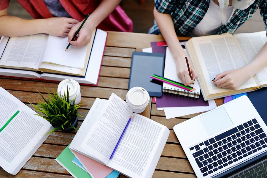¿Cómo puede el sistema educativo preparar a los estudiantes para trabajos que aún no se han inventado? Enseñando power skills (habilidades poderosas). - Foto: Bigstock