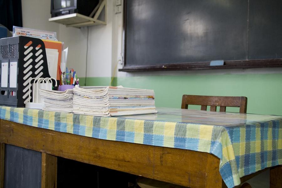 Para preparar a las nuevas generaciones se necesitan docentes capacitados para hacerlo, pero, ¿qué pasa cuando menos jóvenes latinoamericanos quieren estudiar docencia? - Foto: Bigstock