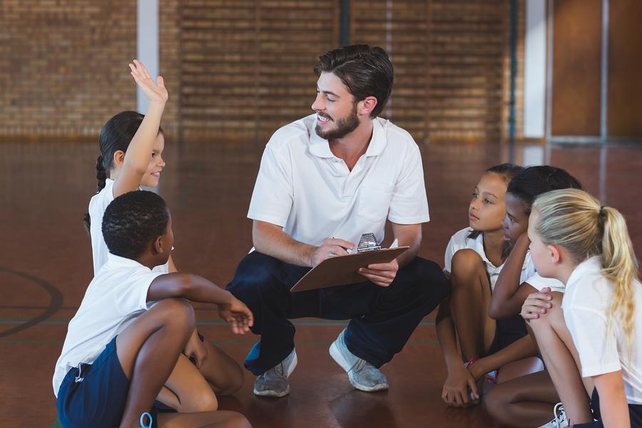 La actividad física es necesaria como auxiliar para mantener la salud de niños y jóvenes mexicanos. - Foto: Bigstock