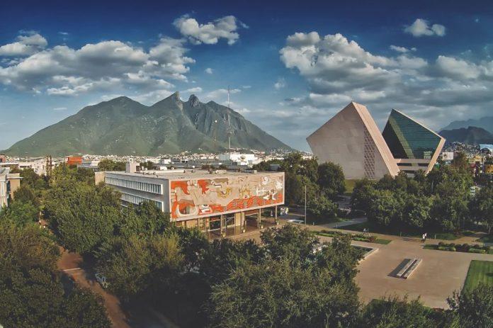 Salvador Alva, presidente de la institución, presentó los ejes que definirán a la institución en la próxima década. - Imagen: Tec de Monterrey