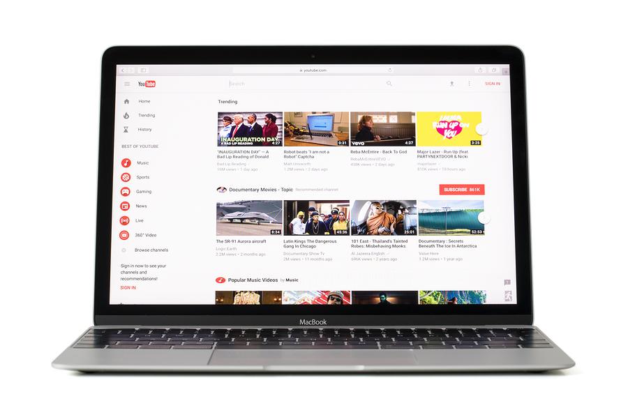 Según Google España, aprender es una de las principales razones por la que los españoles entran a YouTube. - Imagen: Bigstock