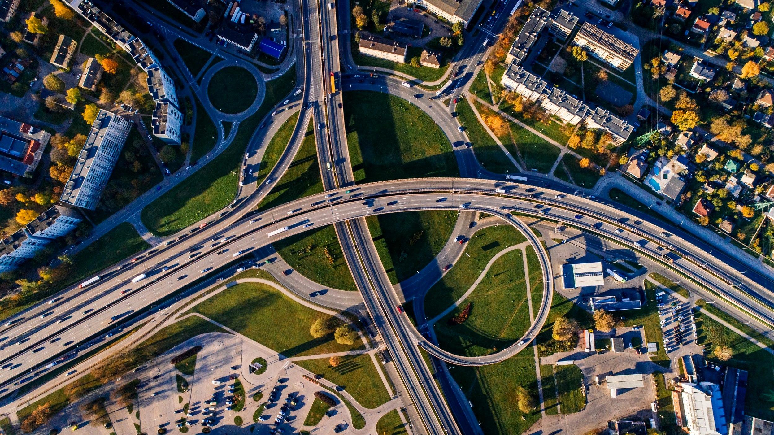 Los alentadores resultados de un innovador modelo educativo para adultos denominado on-ramps, abren una vía frente a los cambios que trae la automatización. - Foto por Aleksejs Bergmanis para Pexels.