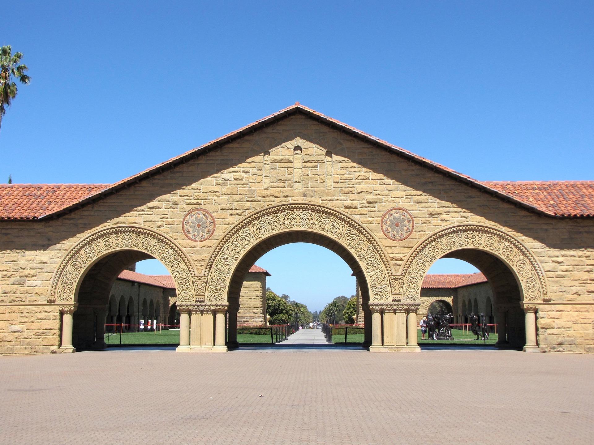 El Instituto para la Inteligencia Artificial Centrada en el Ser Humano de la Universidad de Stanford apuesta por la colaboración multidisciplinaria para hacer frente a los desafíos mundiales. -