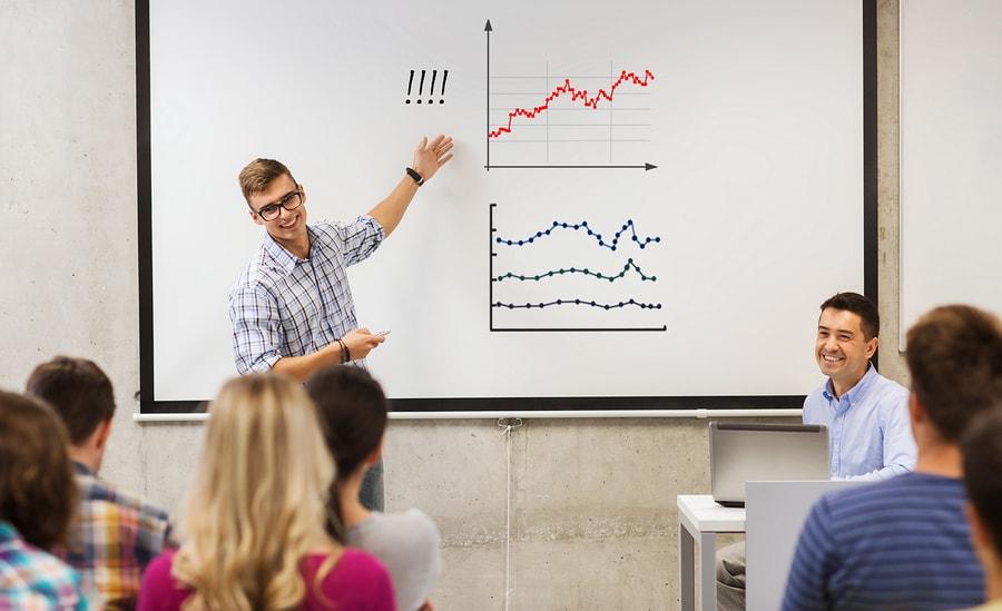 Aunque los líderes tecnológicos insistan en el desarrollo de las habilidades digitales, un reporte señala que la mayoría de los empleadores observan un déficit en competencias de emprendimiento en los egresados universitarios. - Imagen: Bigstock.