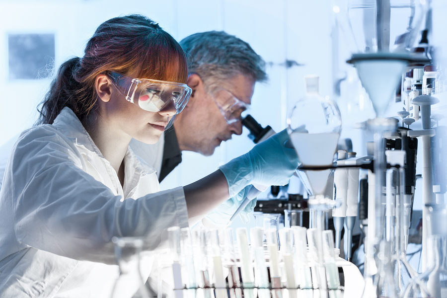 Los profesores debemos aportar a la investigación en materia docente, capacitarnos en los temas científicos actuales y transmitir correctamente este conocimiento a los alumnos. -