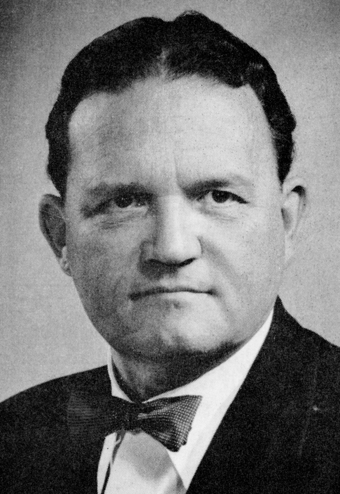 "<div class=""ch"">Arthur Motter Lamb; faculty 1919–1961; Director of Music, French teacher, Senior Master</div>"