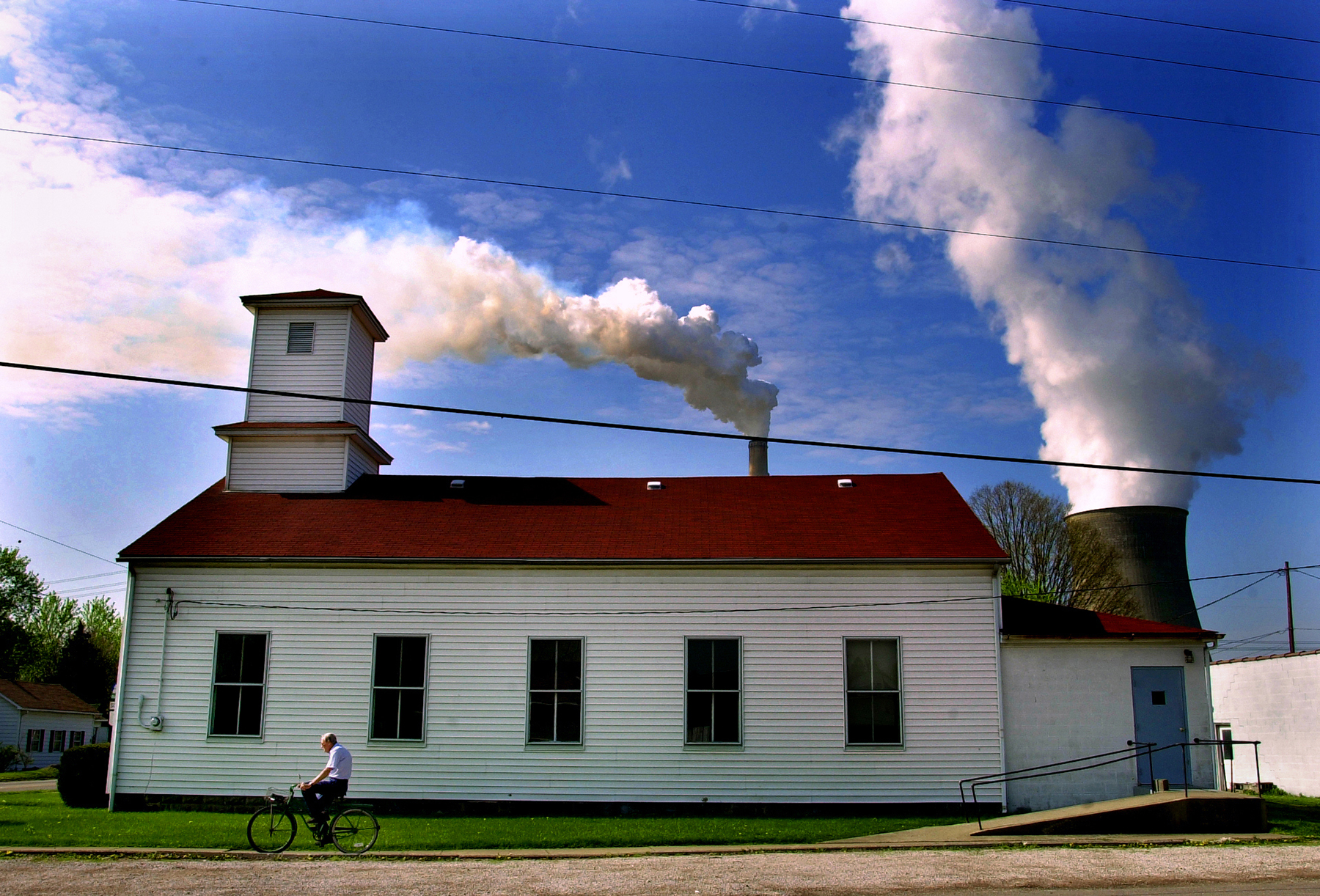 Last days of Cheshire, Ohio, before being leveled by American Electric Power, 2002