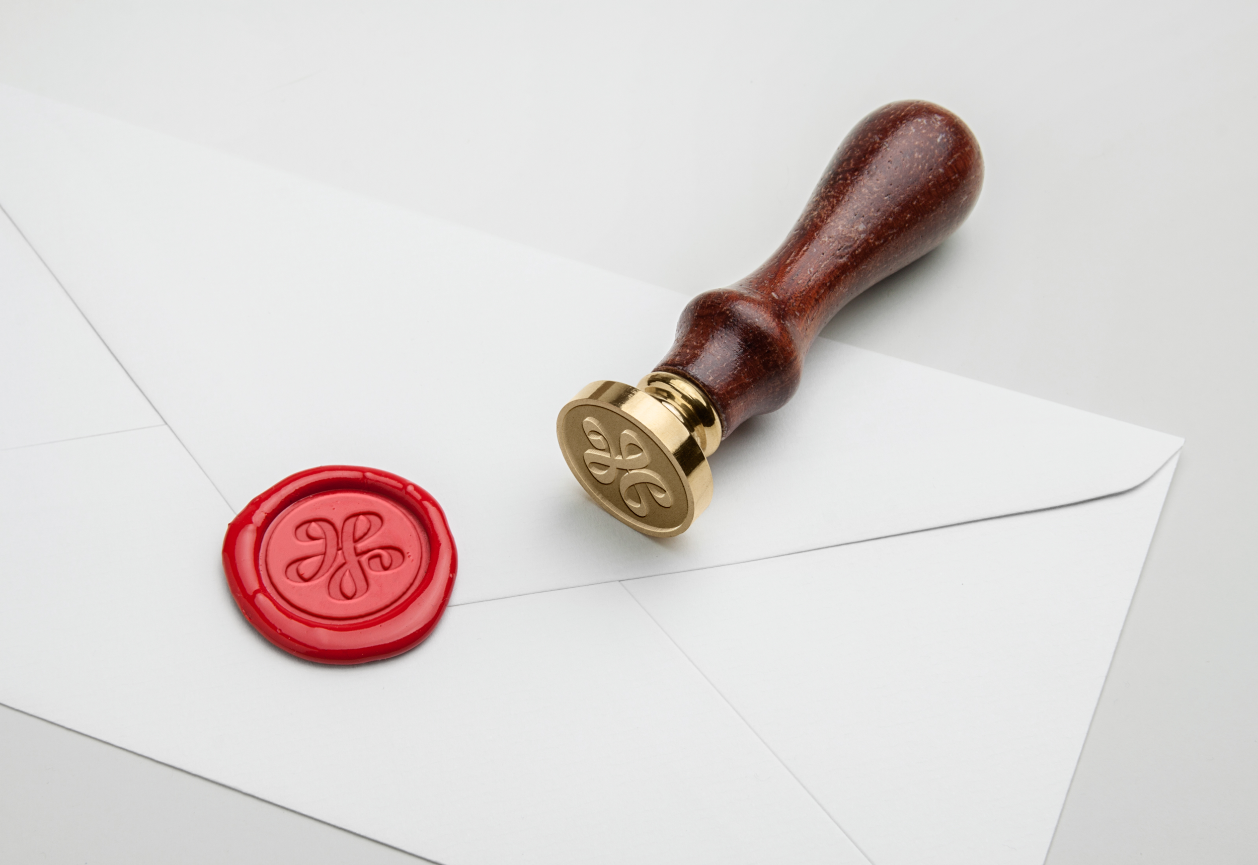 Wax Seal Stamp PSD MockUp.png