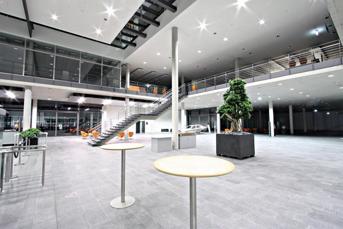 Dürr_Foyer_cmyk_300pic Kopie.jpg
