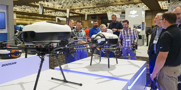 Doosan displays a UAV with the company's new hydrogen fuel cell powerpack at InterDrone 2018. Source: Doosan Group