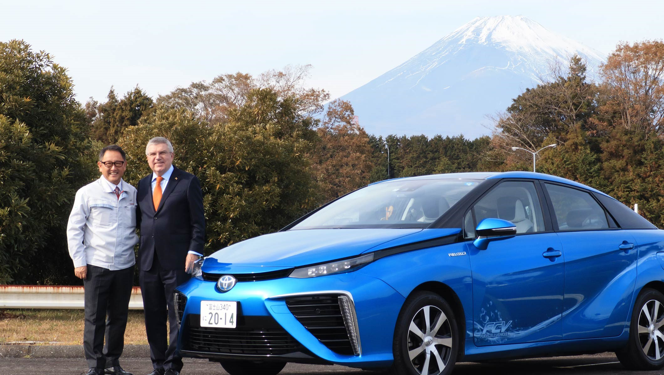 IOC President Bach with Toyota President Akio Toyoda met in November 2018 to discuss Toyota's mobility innovations. Pictured next to Toyota's Mirai FCV. Source IOC