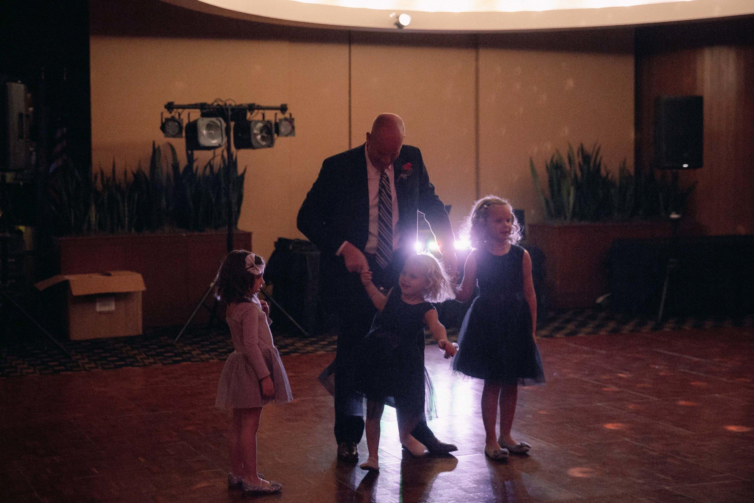 quailcreek_fatherdaughterdance_2017_highfivemedia_photography4.jpg