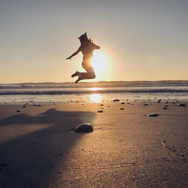 Sunset 🌅 ❤️ . . . #santabarbara #santabarbaracounty #californiacoast #californiaholics #california_igers #californiacaptures #explorecalifornia #naturalcalifornia #unlimitedcalifornia #visitcalifornia #wildcalifornia #exploringnature #surroundedbynature #lostinnature #natureenthusiast #getlostinnature #exploreoutdoors #natgeocreative #yourshot #igersnature #naturelover #naturehub #discoverearth #naturegirl #sbkids #beachkids #wildchild