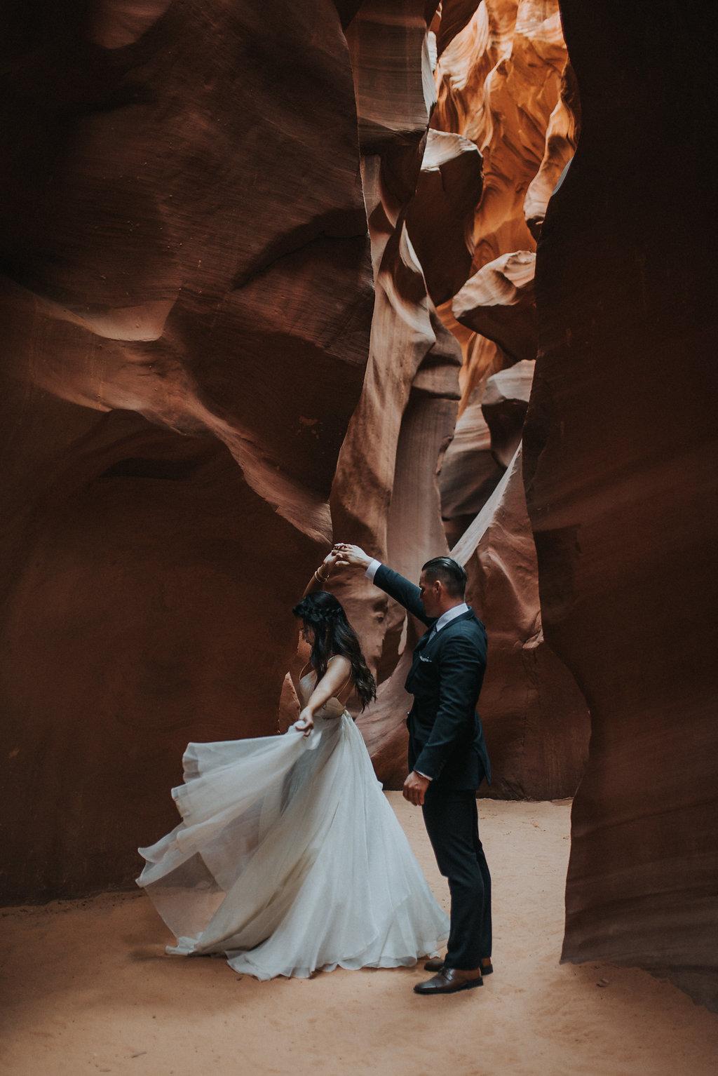 Antelope Canyon Elopement5.jpg