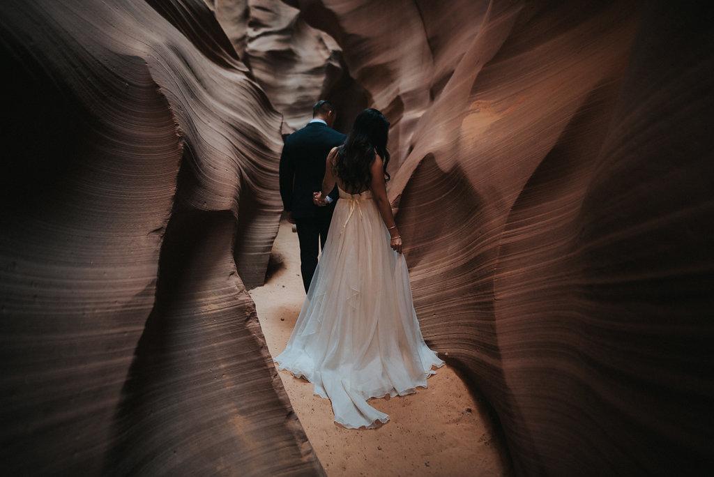 Antelope Canyon Elopement7.jpg