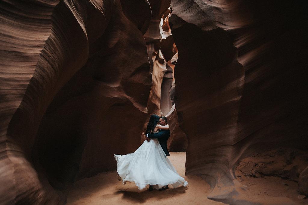 Antelope Canyon Elopement8.jpg