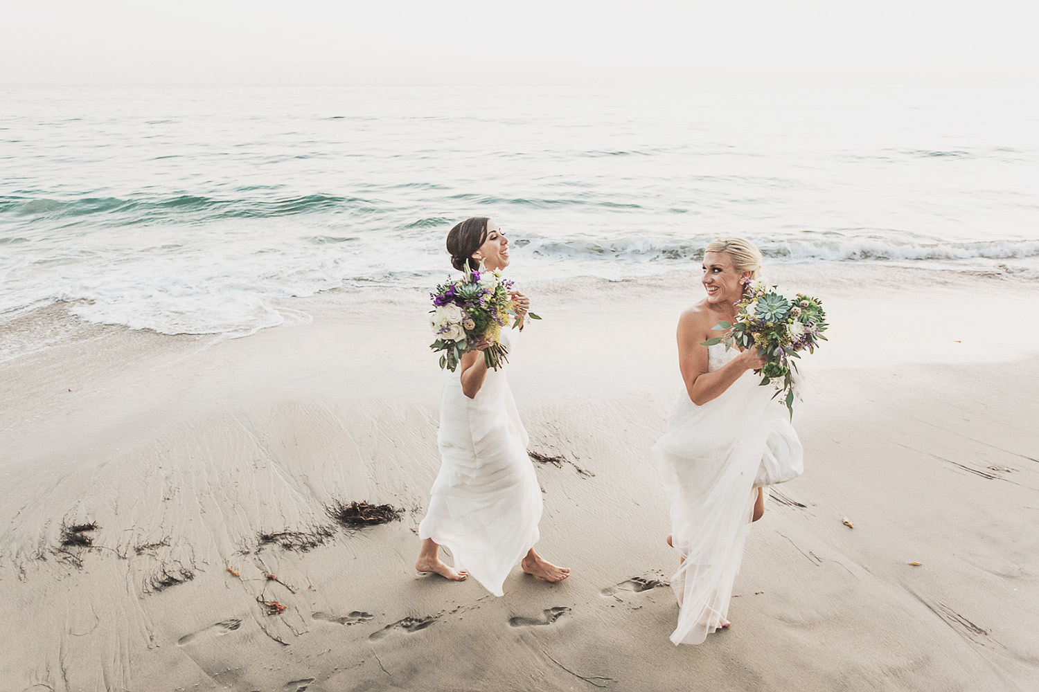 kelly-stephanie-wedding-photography-lesbian-bisexual-lgbt-lgbtq-beach-rustic.jpg