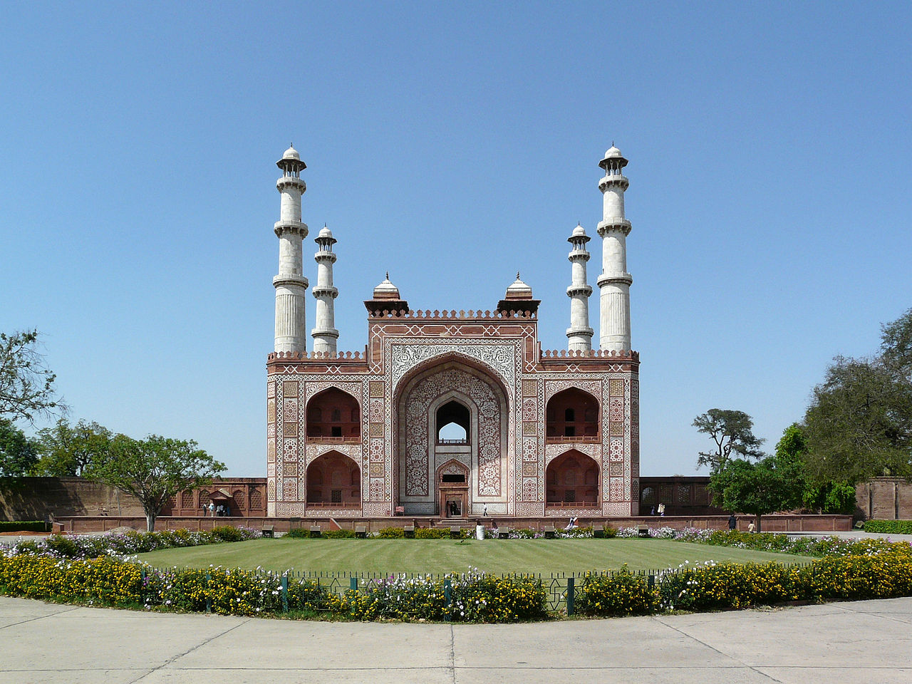 South gate of Akbar's Tomb, in Sikandra